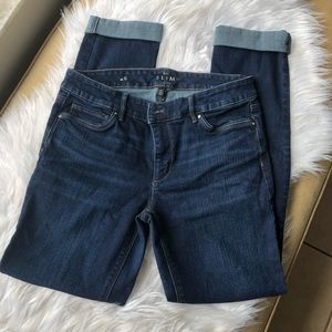 New women's White House Black Market Jeans size 6